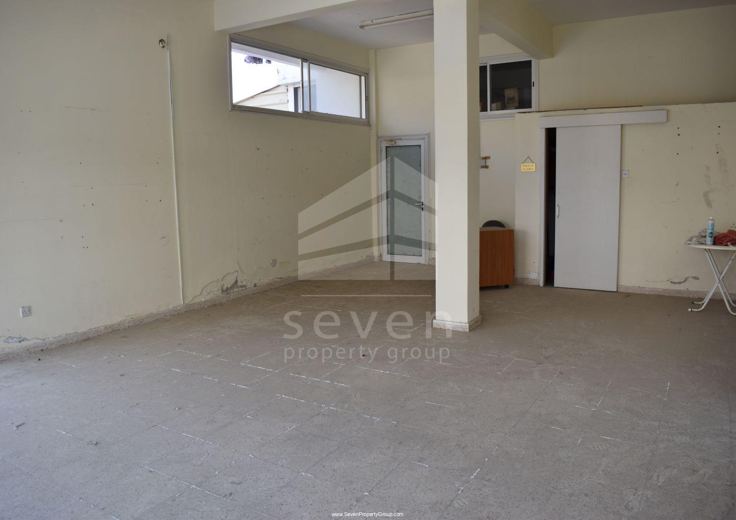 BUILDING FOR SALE IN SKLAVENITIS