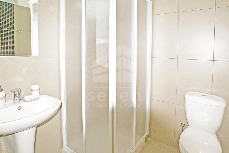 Giovani Studio bath